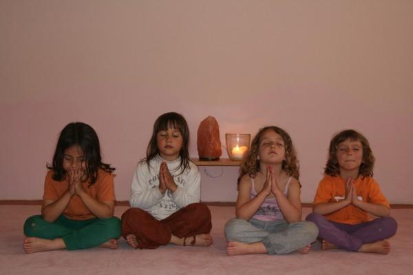 ioga nens